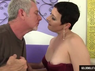 Super-naughty Adult fuckslut Kali Karinena entices a dude with a large chap rod freesex