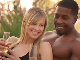 Cheating spouse luvs seeing his wifey fellating ebony sausage in bi-racial threeway pornvideo