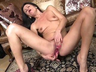 Small-Chested thin grannie Reaches apprise of With command penis best sex