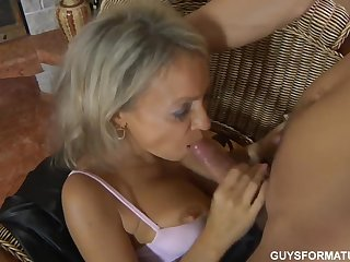Young fucker seduces hot blonde milf for penny-pinching blowjob