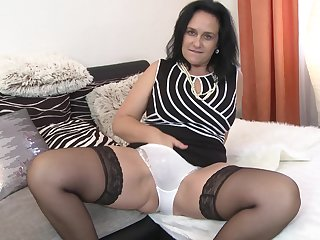 Mature slut Raisha E. shows say no to chattels before he shoves his dick in